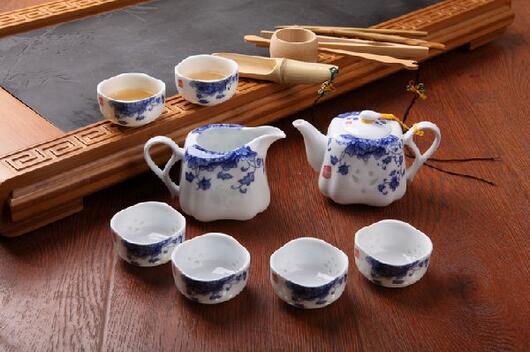 玲珑瓷茶具