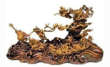 民间美术品种木雕艺术品.png