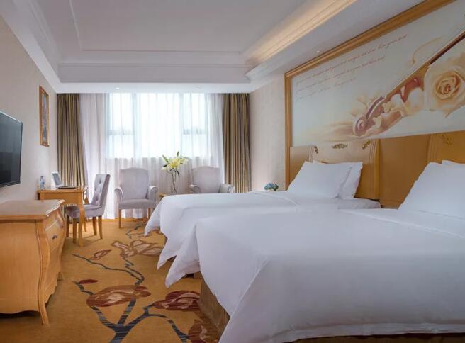维也纳国际酒店 好日子酒店 智慧客房.jpg