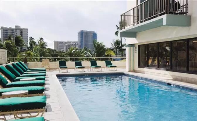 夏威夷希尔顿逸林酒店 威基基海滩.jpg